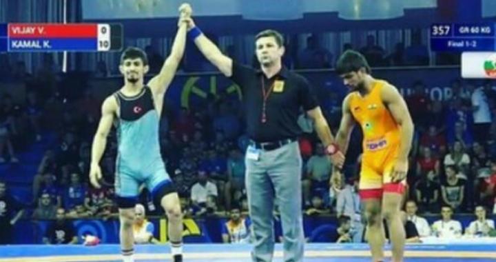 Akhisarlı güreşçi Kerem Kamal dünya şampiyonu oldu