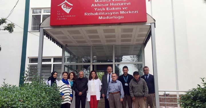Özel Akhisar Hastanesi'nden, huzurevine ziyaret