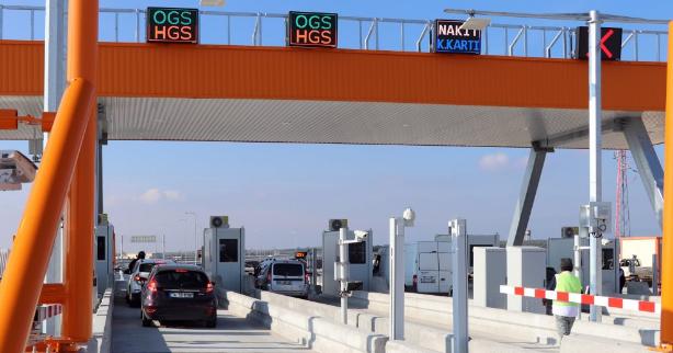 Kemalpaşa ile Saruhanlı arasındaki otoyol trafiğe açıldı