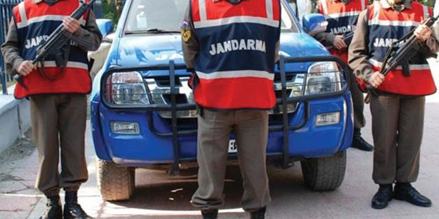 Akhisar Jandarma güvenlik güçleri hırsızları kıskıvrak yakaladı