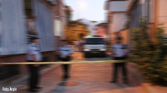 Eşini Karnından ve Göğsünden Bıçaklayarak Öldüren şahıs Akhisar cezaevine gönderildi