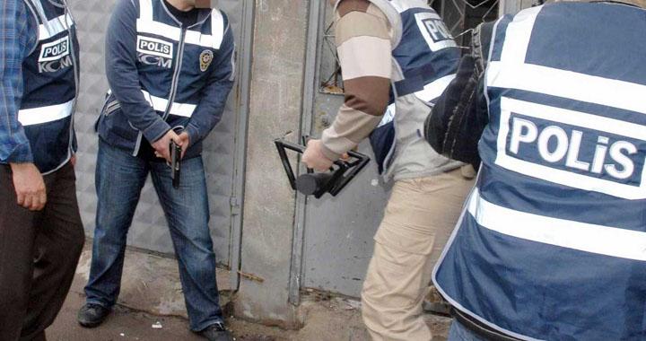Akhisar'da 11 adrese uyuşturucu operasyonu!