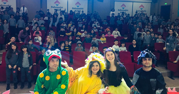 Bahçeşehir Koleji öğrencileri tiyatro etkinlikleri ile dönemin yorgunluğunu attı!