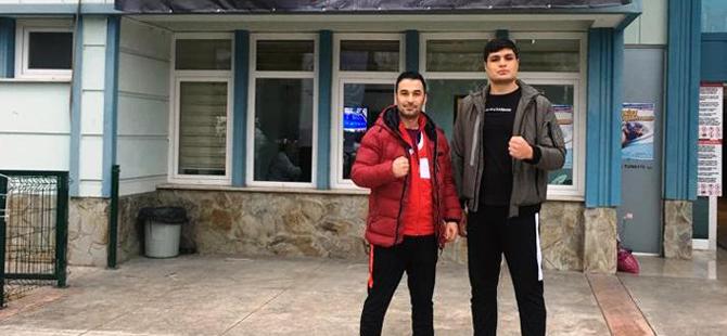 Şampiyon boksöre Akhisar Belediyesi'nden destek