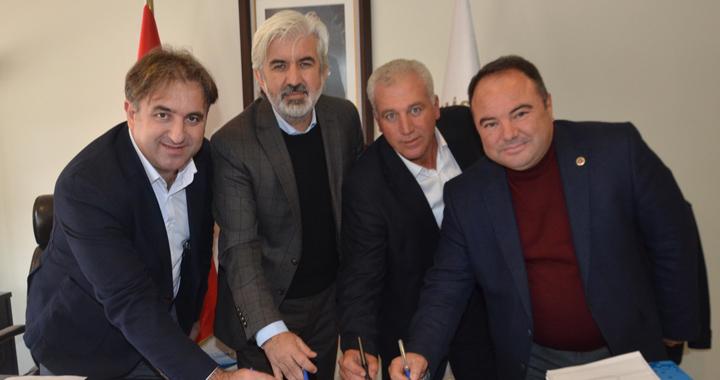 Akhisar Belediyesinde toplu iş sözleşmesi imzalandı