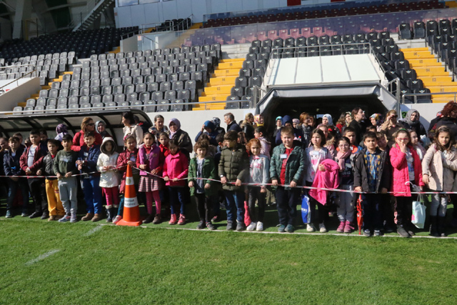 Akhisar Belediyesi öğrencilere şehrini keşfettirdi