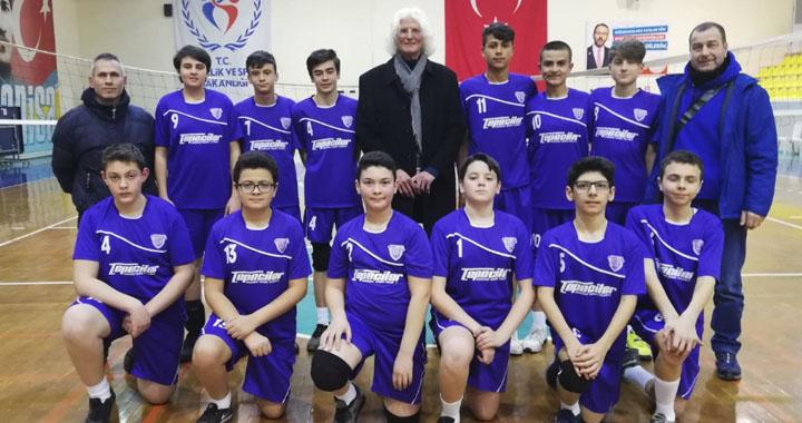 Akhisargücü küçük erkekler voleybol takımı, MOSTEM'e 3-0 mağlup oldu
