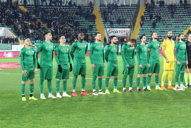 Akhisarspor, 8 eksikle Kasımpaşa'ya gitti