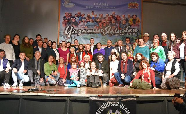 Köy Tiyatrosu Akhisar'da sahnelendi
