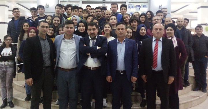 Akhisar Genç Memur-Sen 1071 Malazgirt'ten 2071 Büyük Türkiye'ye konferansına katıldı
