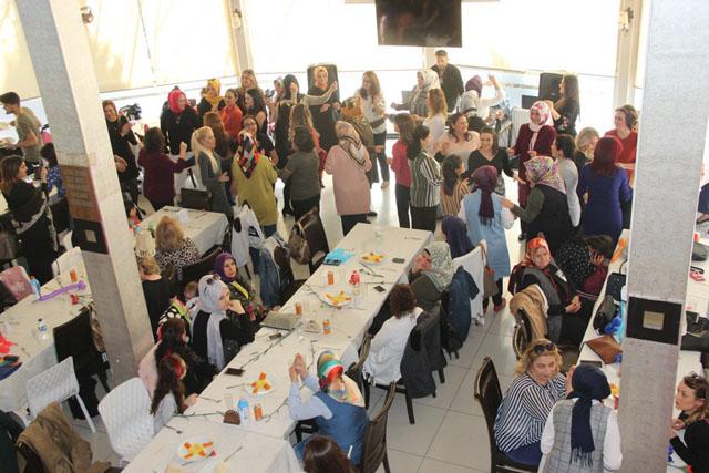 A. Vehbi Bakırlıoğlu İlkokulunda kadınlar günü kutlandı