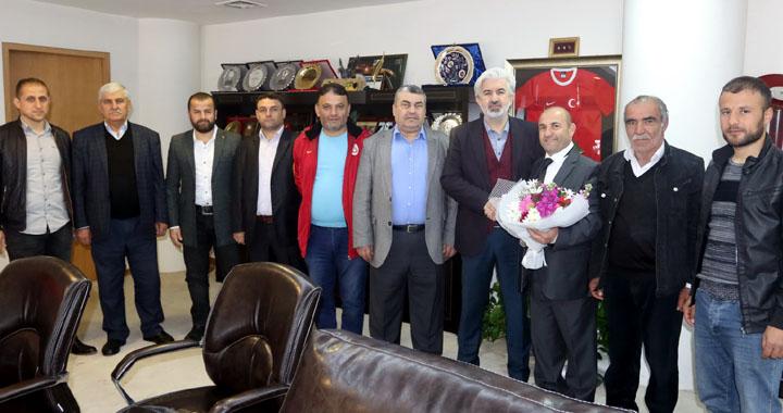 Bitlisliler Derneğinden, Belediye Başkanı Salih Hızlı'ya teşekkür ziyareti