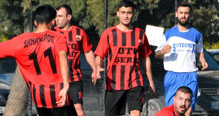 Akhisar Sanayispor, Sazobaspor'u 3-1 yendi