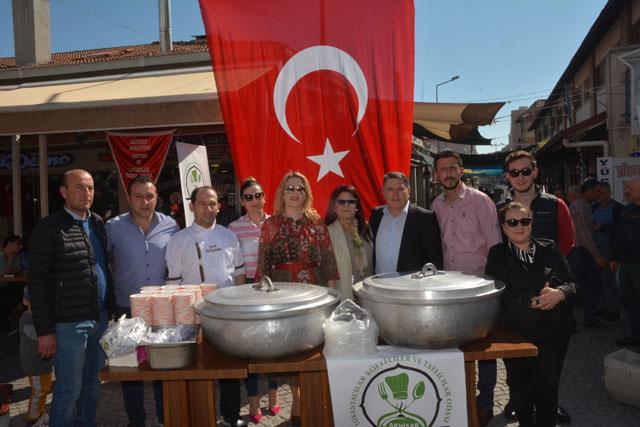 18 Mart Şehitler haftasında, bin kişilik çorba ve hoşaf dağıttılar