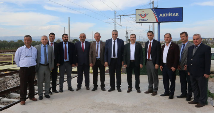Milletvekili Uğur Aydemir, Akhisar yeni tren garı projesini açıkladı