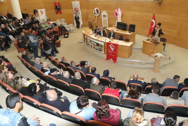 Akhisar'da Yaşlılık ve Sağlıklı Yaşlanma Paneli düzenlendi