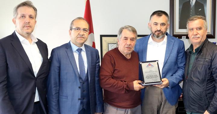 Hasan Kirazoğlu, Latif Çakmak'ı ziyaret etti