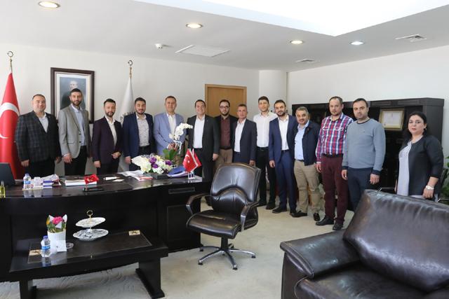 AKGİAD'dan Belediye Başkanı Besim Dutlulu'ya ziyaret