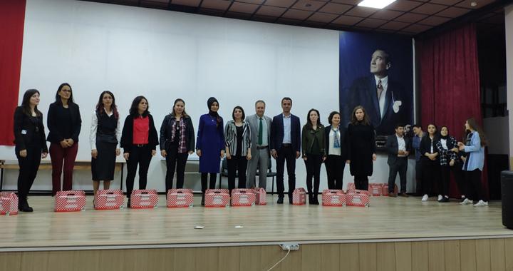 Ayvaz Dede İHO'dan İngilizce metin canlandırma yarışması