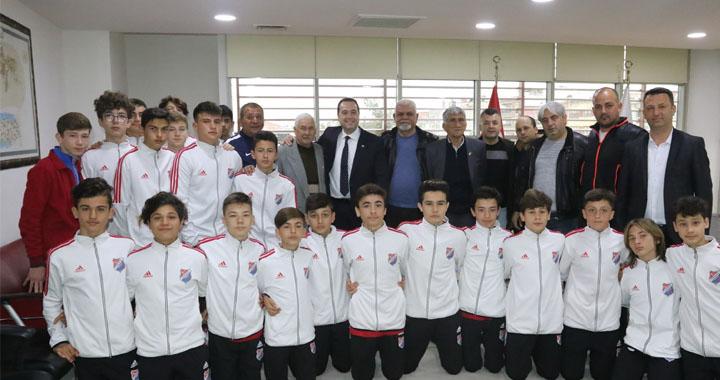 Belediye Başkanı Besim Dutlulu, Yıldırımspor kulübünü konuk etti