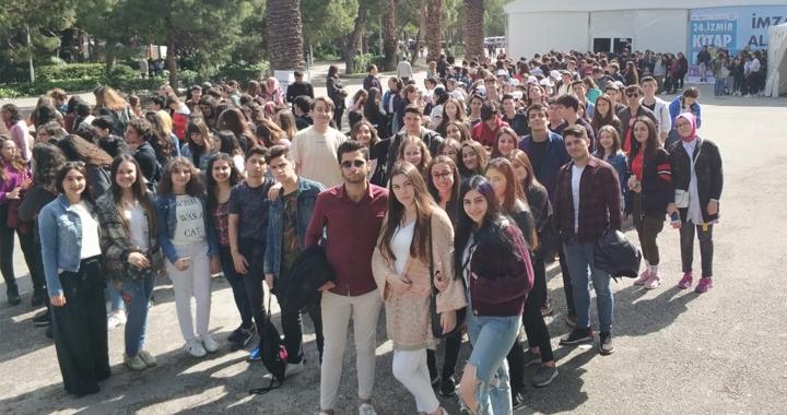 Özel Akhisar Eksen Lisesi, İzmir kitap fuarında