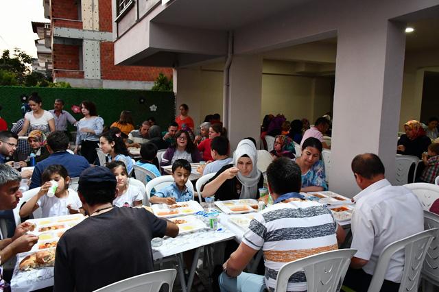 Gülenyüzler Rehabilitasyon Merkezi iftarda buluştu
