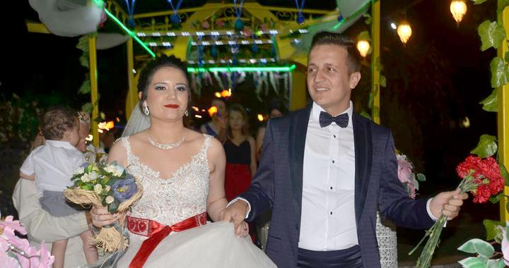 Merve ve Sait muhteşem bir düğün ile dünya evine girdi