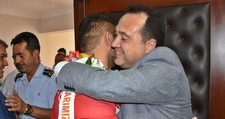 Avrupa Şampiyonu'na memleketi Akhisar'da karşılama