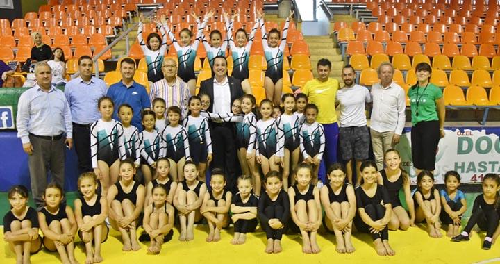 Akhisar'da ilk kez Cimnastik şenliği düzenlendi