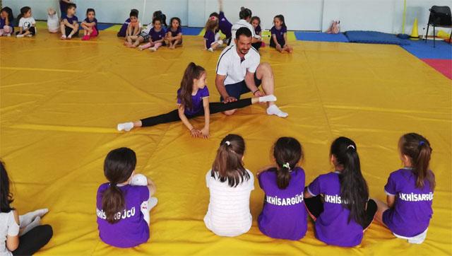 Akhisargücü, jimnastik çalışmaları başladı