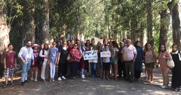 Gezginevi misafirleri Muğla'nın soğuk sularında serin nefes aldı