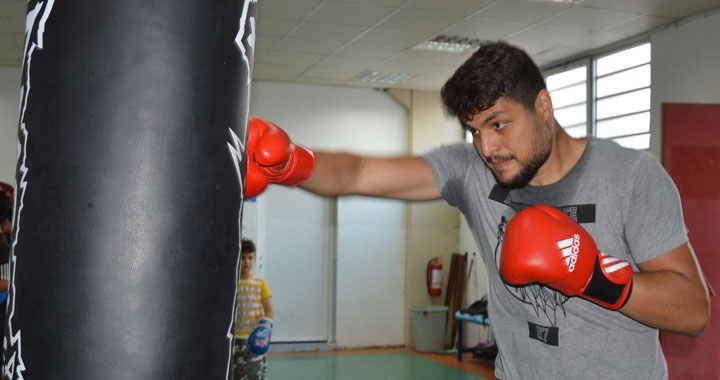 Akhisarlı boksör Deniz Güngör, Olimpiyat hazırlık merkezinde