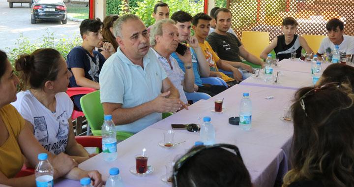 CHP Milletvekili Bakırlıoğlu, mağdur olan öğrencilerle buluştu