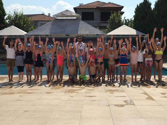Akhisargücü Spor kulübü yaz okulu yüzme kursu 3. tur tam gaz başladı