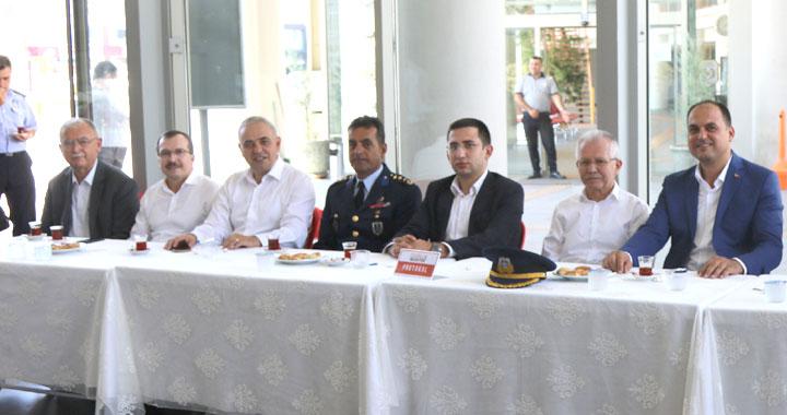 Kurban Bayramı'nda Akhisar protokolü bayramlaştı