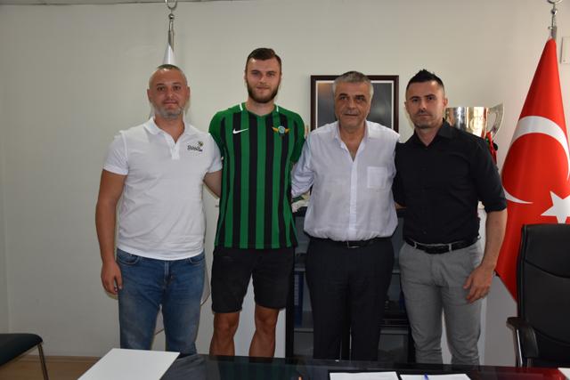 Akhisarspor, Hadzic'i 3 yıllığına renklerine bağladı