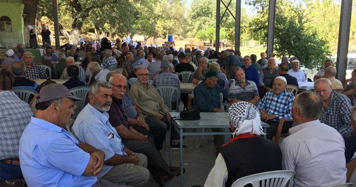 Hac ve Umre'ye giden Akhisarlılar geleneksel piknikte buluştu