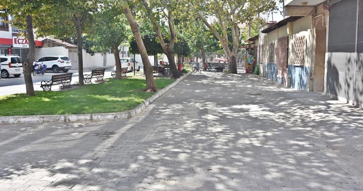 Akhisar'da herkes kendi kapısının önünü süpürecek