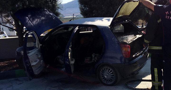 Akhisar'da LPG dolumu yapılan araç alev alev yandı
