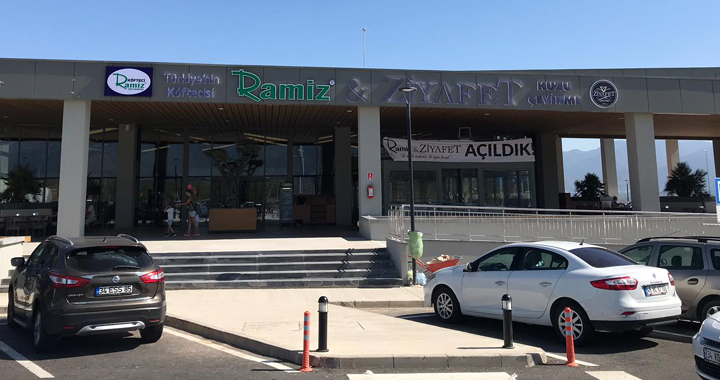 Köfteci Ramiz ve Ziyafet İstanbul-İzmir otoyolunda!