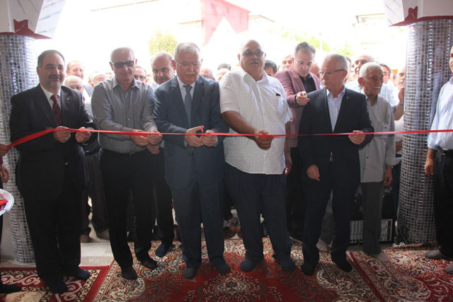 Akabe Cami ibadete açıldı