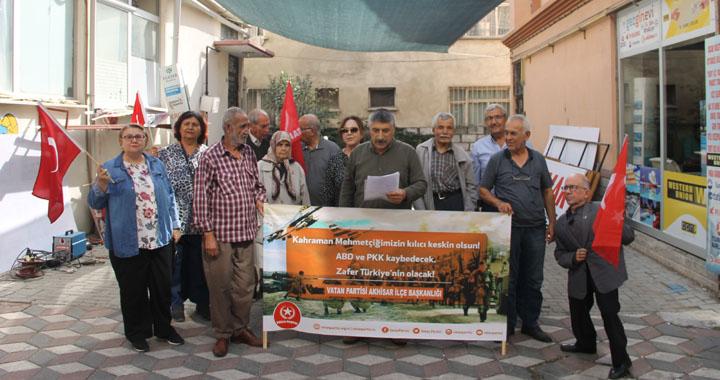 """Karakaşlar, """"Barış Pınarı Harekatı"""" Mehmetçiğimizle omuz omuzayız"""