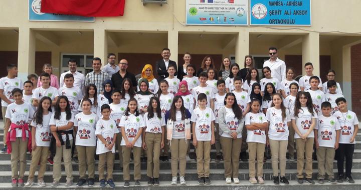 Şehit Ali Aksoy Ortaokulunda TUBİTAK 4006 Bilim Fuarı heyecanı