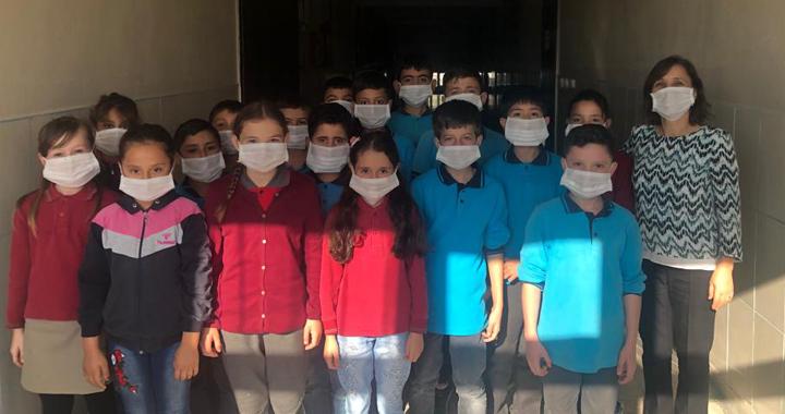 Cumhuriyet İlkokulu, lösemili çocuklar haftasına vurgu yaptı