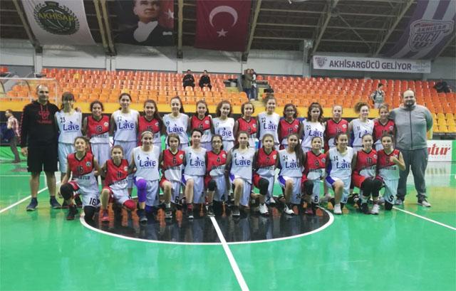 Akhisargücü Kız Basketbol Takımı gümbür gümbür geliyor