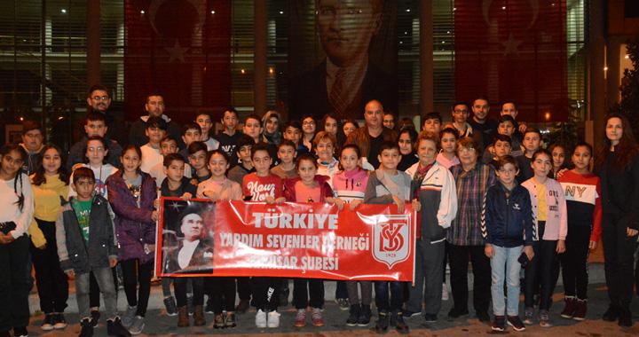 Şehit Ali Aksoy Ortaokulu öğrencileri Anıtkabir'i ziyaret etti