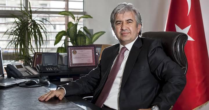 Görevden alınan AK Parti İl Başkanı Berk Mersinli'nin yerine eski Akhisar Belediye Başkanı Salih Hızlı atandı