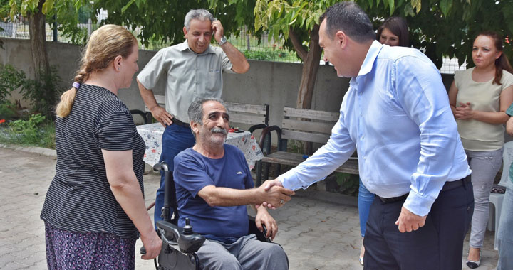 Akhisar Belediyesi ihtiyaç sahiplerinin yanında