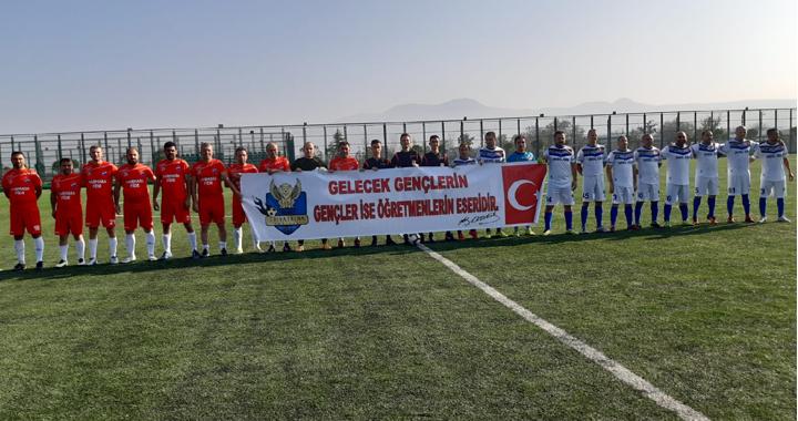 Thyateira Akhisar Master, Mustafa Kemalpaşa'dan eli boş döndü