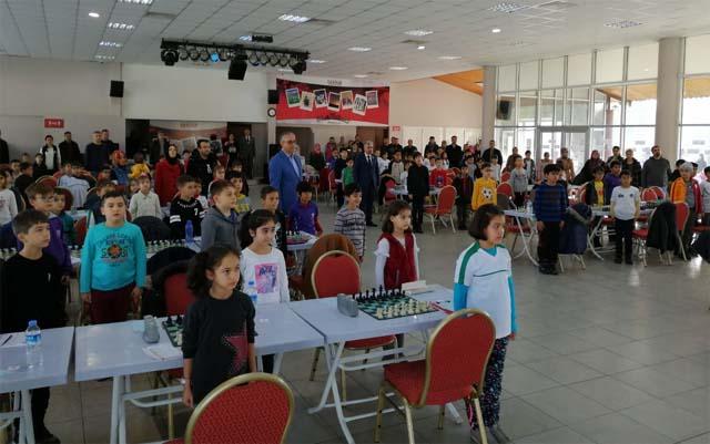 Küçükler Akhisar Satranç birinciliği satranç turnuvası